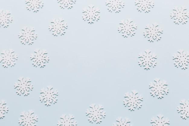 Composizione di natale di fiocchi di neve