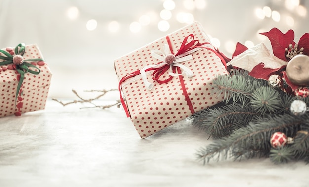 Composizione in natale con scatole regalo