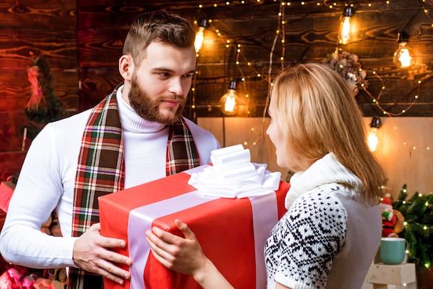 恋にクリスマスカップル。