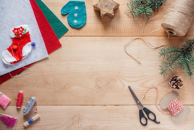 펠트 장신구의 크리스마스 공예