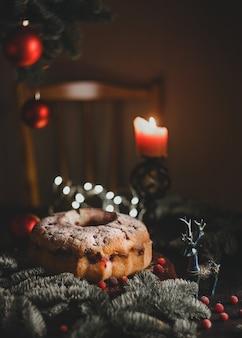 크리스마스 크랜베리 번트 케이크 낮은 키 선택적 초점