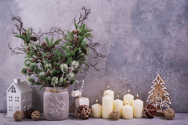 デザインの休日の日のクリスマスの装飾や挨拶のカード