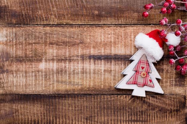 Рождественский декор на старом винтажном деревянном