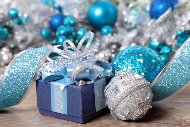 クリスマスの飾りやプレゼント