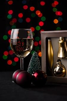 Decorazione natalizia. luci sfocate