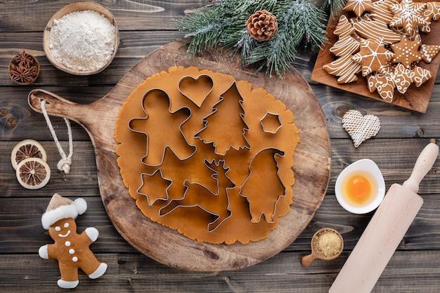 Рождественское украшение печенье, выпечка рождественского печенья в домашних условиях.