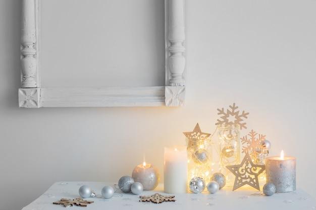 キャンドルでクリスマスの装飾