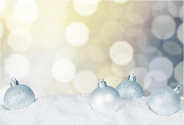Рождественские украшения, изолированные на фоне