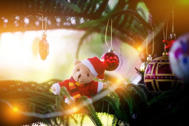 クリスマスの飾り。メリークリスマス、そしてハッピーニューイヤー