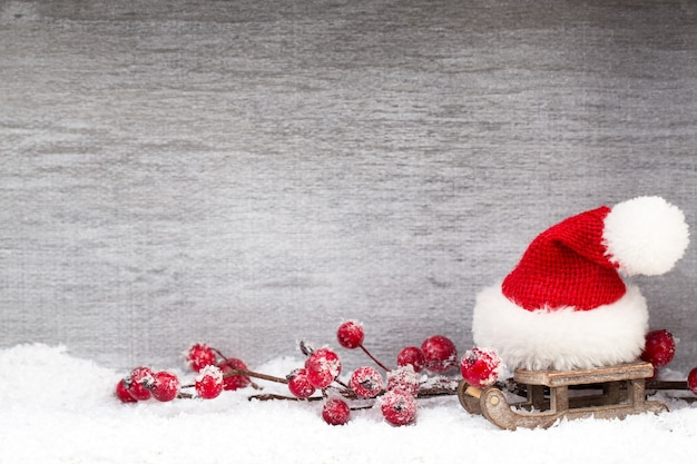 Рождественские украшения на светлом фоне