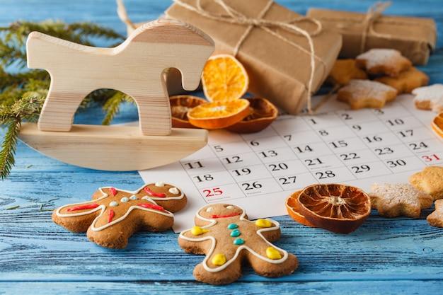 Рождественские украшения по календарю, декабрь месяц