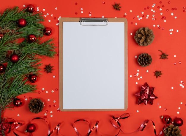 Рождественские украшения вид сверху с буфером обмена