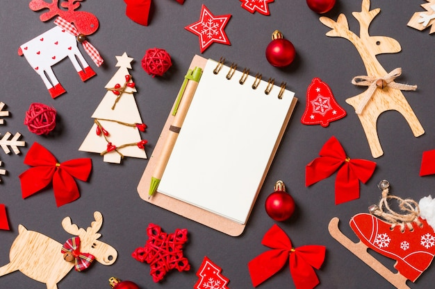 Christmas decorations with empty notepad