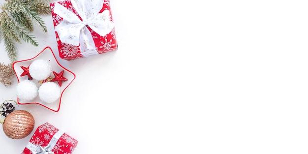 Рождественские украшения с подарочной коробкой
