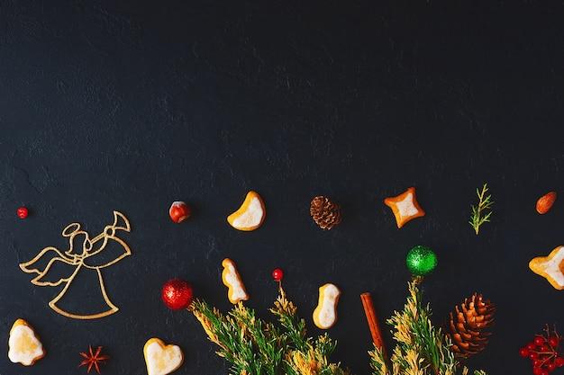 ジンジャークッキーのクリスマスの装飾