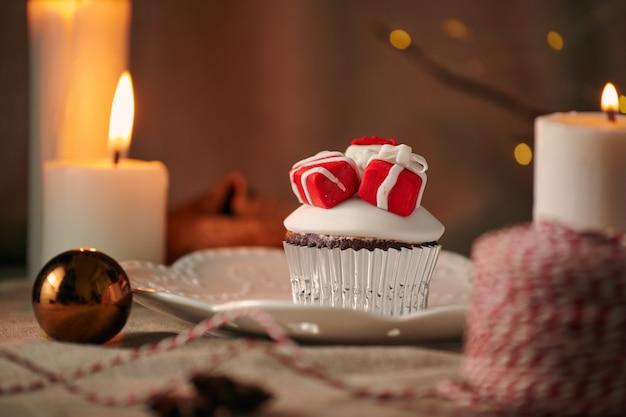 Рождественский десерт кексы снеговик