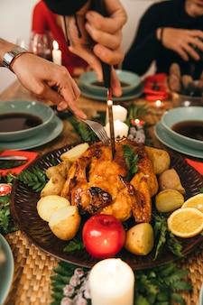 Рождественский ужин с индейкой и супом