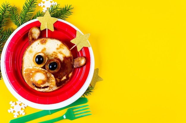 Рождественский съедобный олень. детское творческое питание искусство.