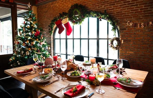 クリスマスファミリーディナーテーブルコンセプト