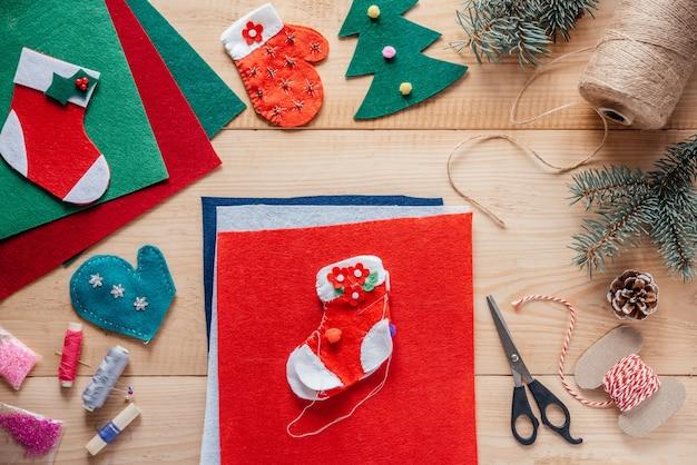 크리스마스 펠트 스타킹 바느질 크리스마스와 새해 어린이 공예