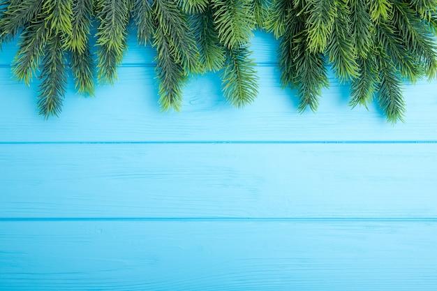나무 보드에 크리스마스 전나무