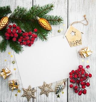 クリスマスフレーム-装飾と空白の紙