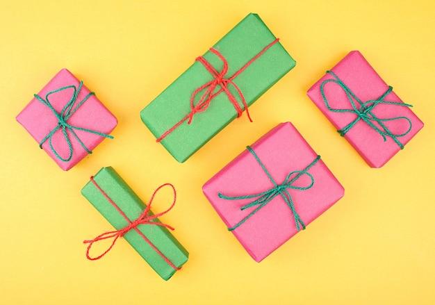 소나무와 크리스마스 선물 상자 컬렉션