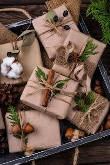 Рождественские подарочные коробки из крафт-бумаги