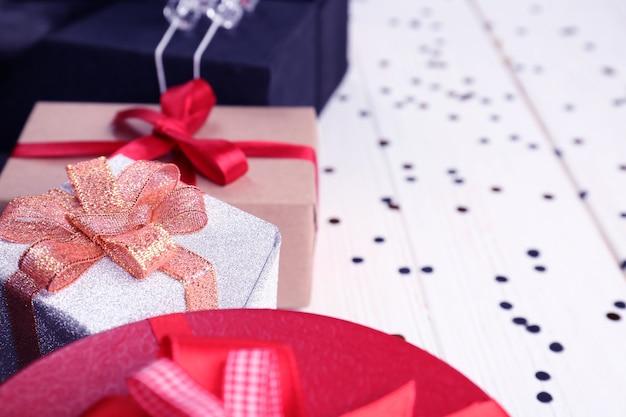 테이블, 근접 촬영에 크리스마스 선물 상자