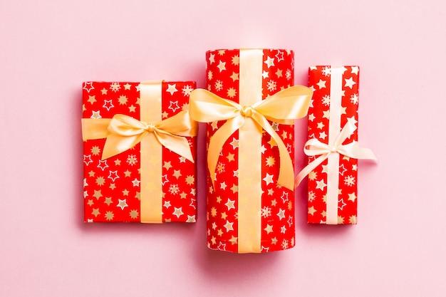 赤いトップビューでクリスマスプレゼント