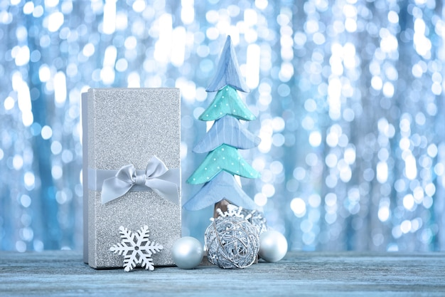 Рождественские подарки и размытые огни