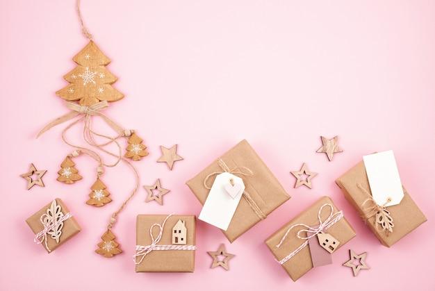 Новогодние подарки и украшения в пастельных тонах