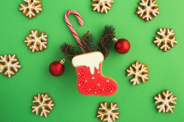Рождественские пряники с разными украшениями