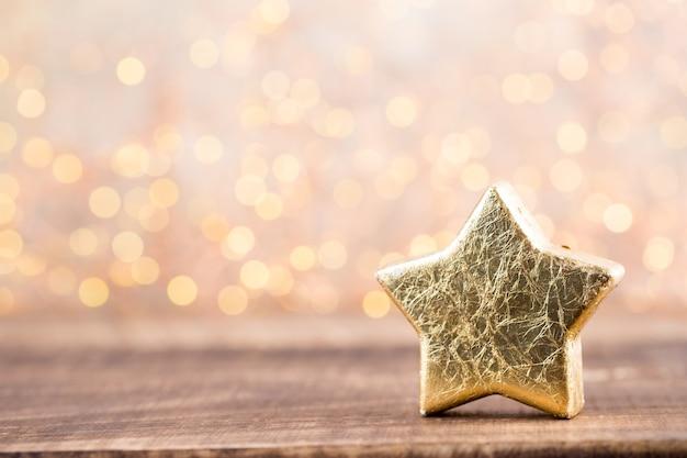 Рождественская открытка. праздничное украшение на сером фоне. новогодняя концепция. скопируйте пространство. плоская планировка. вид сверху.