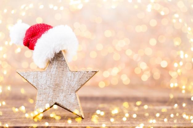 Рождественская открытка. праздничное украшение на сером фоне.