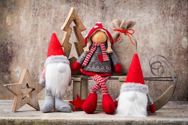 クリスマスのグリーティングカード。ノエルノーム。クリスマスのシンボル。