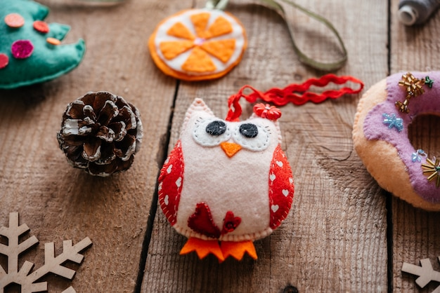 クリスマス手作りフェルトフクロウ飾り、クリスマスと新年のクラフトのアイデア