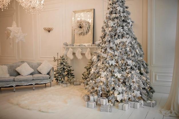 Рождественские каникулы декор гостиной
