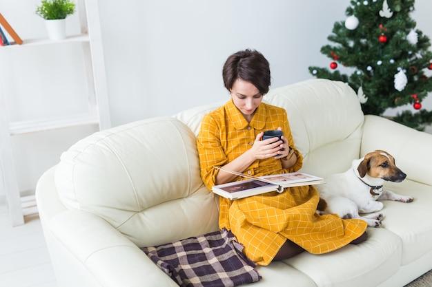 クリスマス、休日、人々の概念