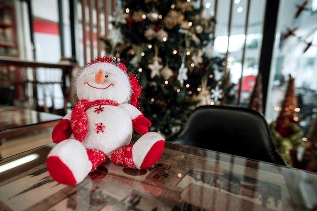 크리스마스 휴일 카페 가게에 표시