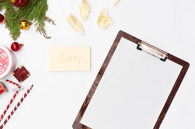クリスマスのアイデア、ノート、ゴール、または計画を書く計画。メリークリスマス新しい