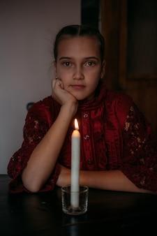 Рождество загадывать желание русские рождественские традиции гадание гадание на свечке портрет юноши