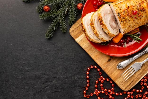 コピースペース付きのクリスマスのお食事の品揃え