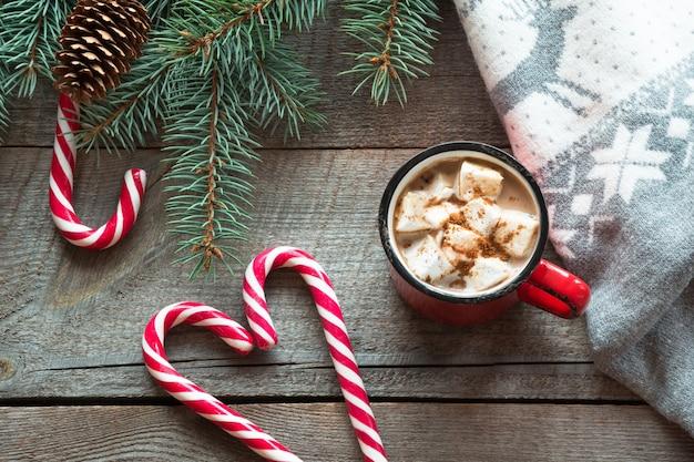 マシュマロとクリスマスマグホットコーヒー