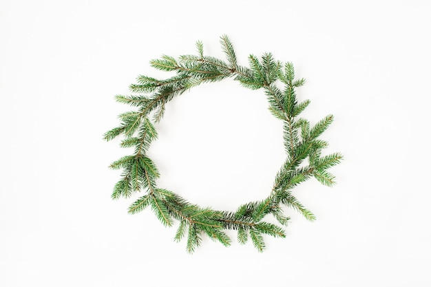 クリスマス年末年始の構成。白のモミの枝の花輪フレーム