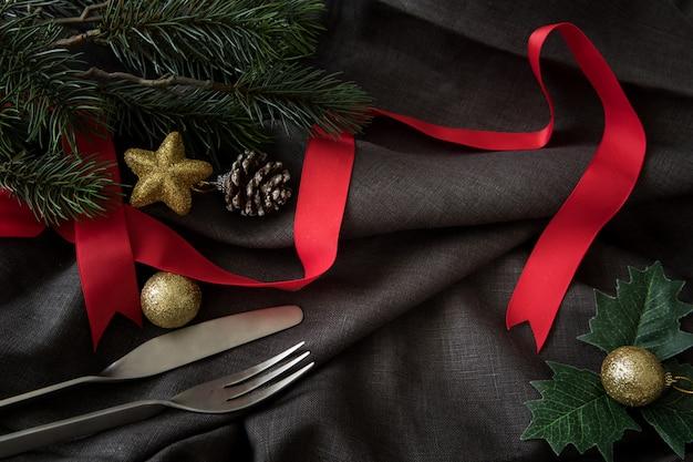 Рождество новый год с посудой фоне празднуют время счастливого