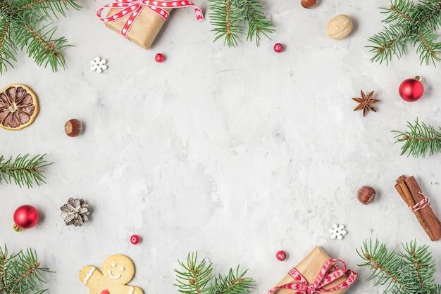전나무 나뭇 가지, 크리스마스 음식, 선물 상자로 만든 크리스마스 또는 새 해 복 많이 받으세요 배경