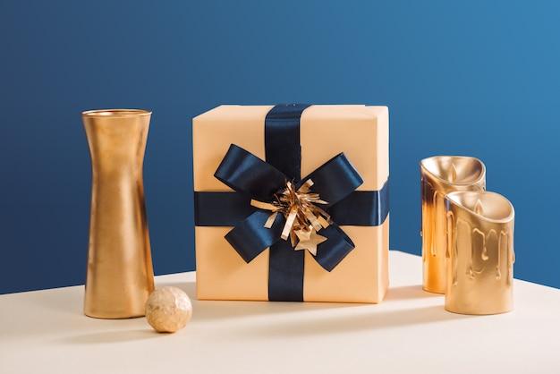 크리스마스 또는 새해 배경 선물