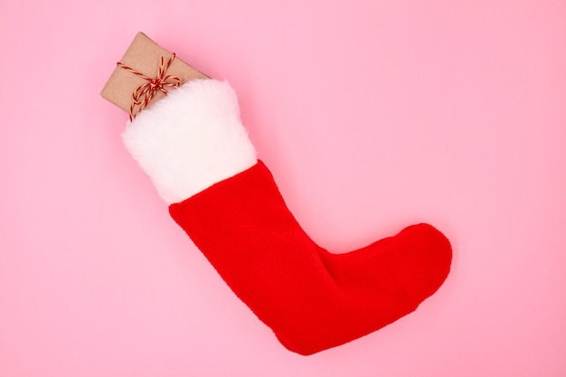 クリスマスソックスのクリスマスまたは新年のギフトボックス