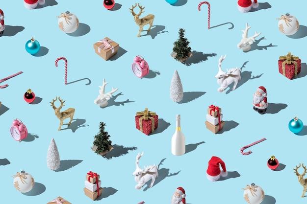 さまざまな冬の装飾で作られたクリスマスパターン